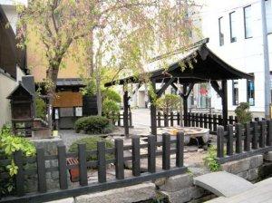 松本市 源池の井戸 水 中町